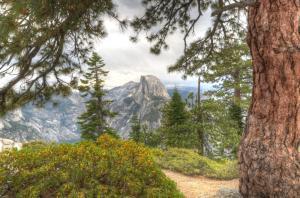 Half-Dome-Peephole-Yosemite-National-Park-USA